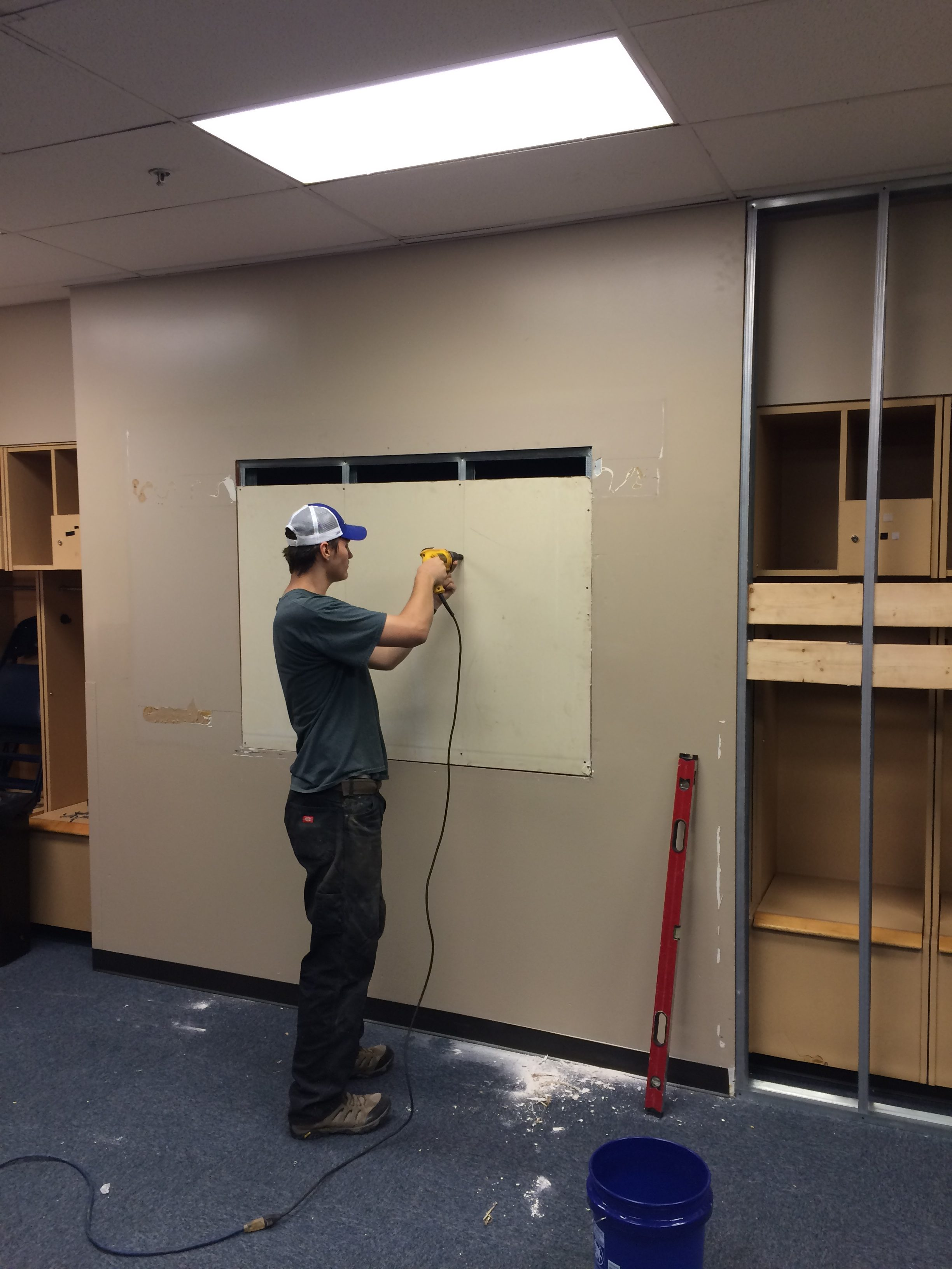 FedEx-Forum-locker-room-tv-alcove-getting-closed-up-e1537085869547