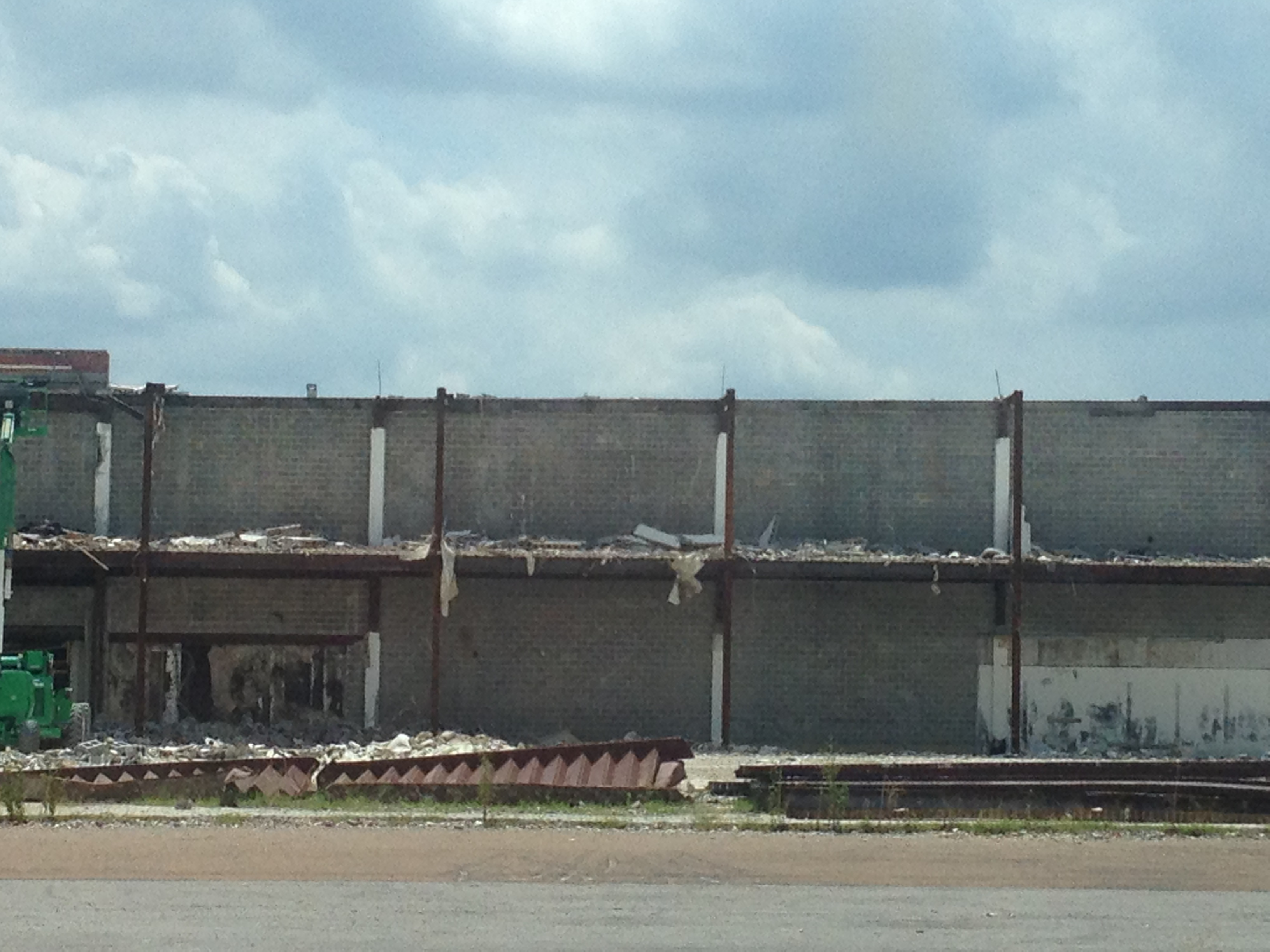 Raleigh mall half of parapet wall removed.JPG